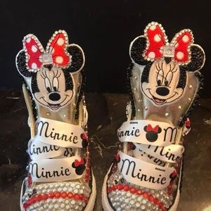 Minnie Mouse bling Converse